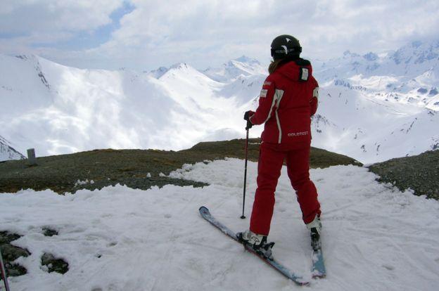 Renske Hekman, esquiando.