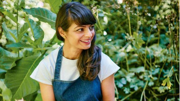"""米拉认为,人工智能可以在研究餐单、助长创意和可持续发展等方面帮忙,但""""不可能把食谱和它背后的历史分割""""。"""