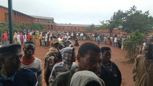 Mwandishi wetu anasema wapiga kura wamejitokeza kwa wingi vituoni