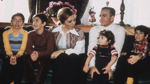 الأسرة المالكة في إيران في عام 1973