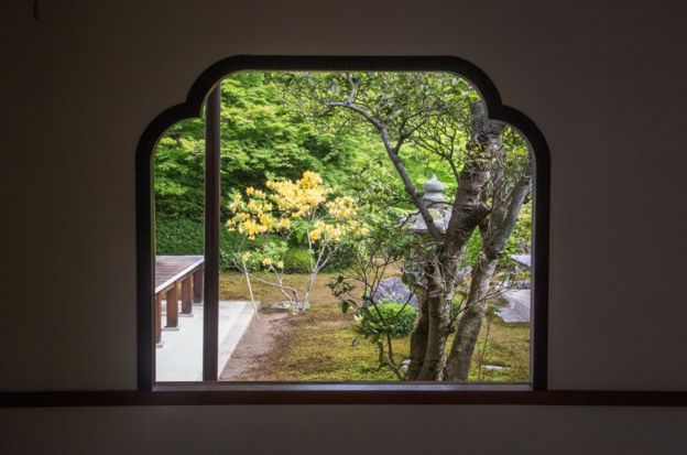在日本,压痕和不均匀的形状不会被视为错误,而是被视为自然的产物。