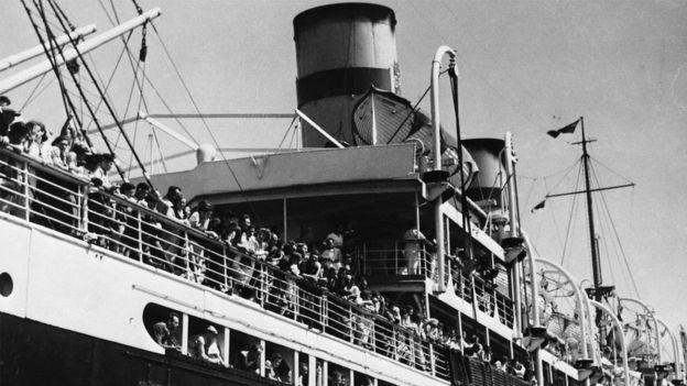 يهود مهاجرون يصلون فلسطين عام 1936
