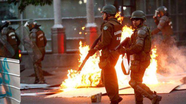 Policías en Santiago