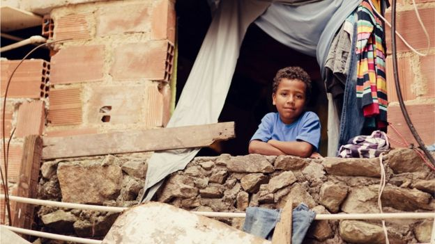 A child in a poor neighborhood in Latin America (Photo: RichVintage)