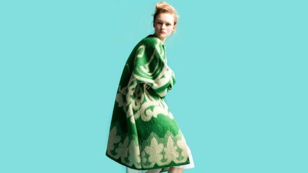 """В коллекции """"Хочется спать"""" Марит Илисон из Эстонии использовала советские одеяла"""