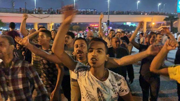 مئات المتظاهرين حاولوا التجمع قرب ميدان التحرير بوسط القاهرة
