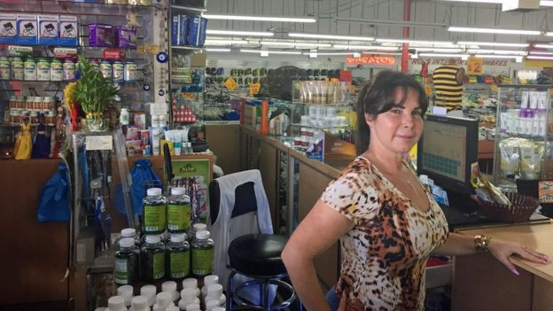 """Cómo es Hialeah, la ciudad de EE.UU. con el 96% de habitantes latinos donde """"se puede vivir sin hablar inglés"""" _103503574_img_3359"""