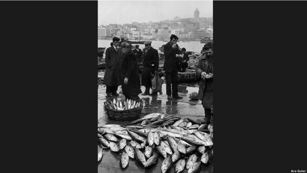 """Ara Güler, yaşayan bir efsanedir. """"İstanbul'un gözü"""" diye anılır."""
