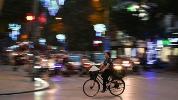 Khoảng cách giàu nghèo ngày càng tăng trong xã hội Việt Nam