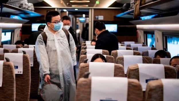 4月15日,武汉至北京的火车里