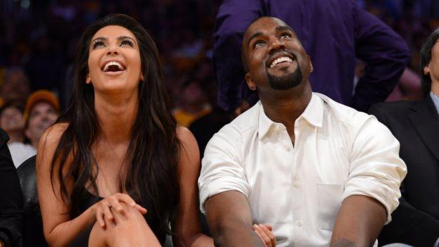 Kim y Kanye en un juego de los Lakers en 2012