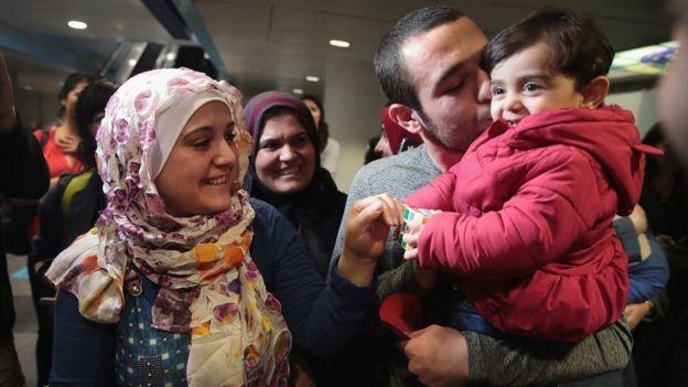 Refugiados sirios llegaron a Estados Unidos.