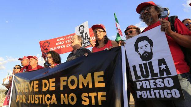 Manifestação a favor de Lula em abril de 2018 em Brasília