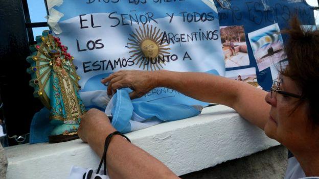 Ara San Juan, el ahora olvidado submarino Argentino desaparecido con 44 tripulantes a bordo - Página 2 _98880384_043160630-1
