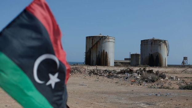 خزان نفط في ليبيا