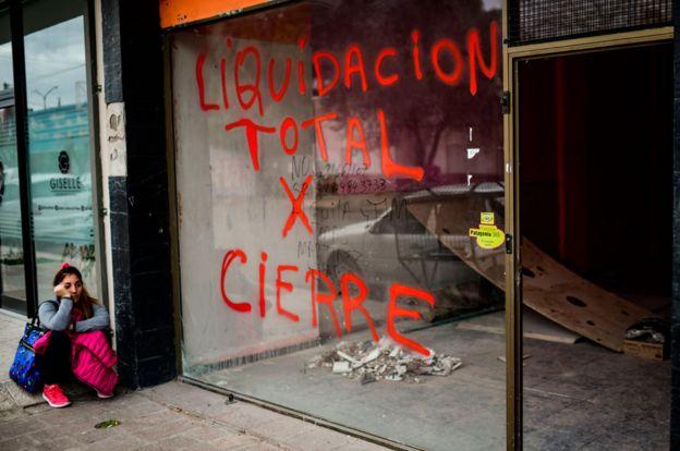 Un negocio que cierra en Trelew, Argentina