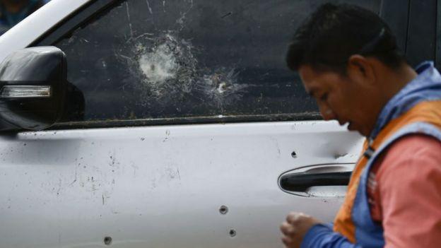 Auto baleado de los guardias indigenas.