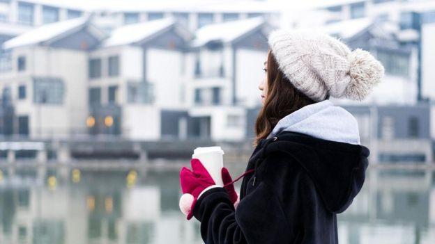 في غالب الأحيان يشعر البعض بأن حالتهم المزاجية ليست على ما يرام قليلاً في الشتاء