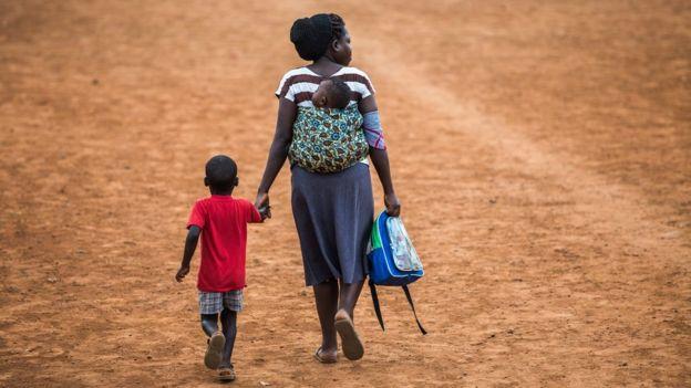 Familia en África.