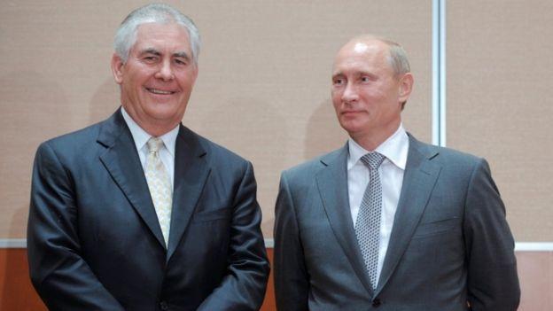 Ông Rex Tillerson và tổng thống Nga Putin năm 2011