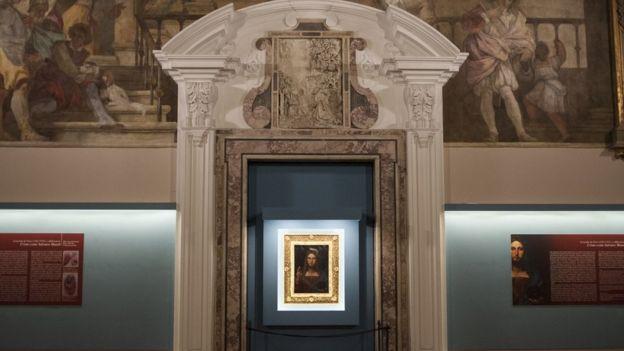 """Exhibición de """"Salvator Mundi"""" en Nápoles"""