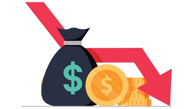 Ilustração mostra saco de dinheiro, moedas e seta com direção para baixo
