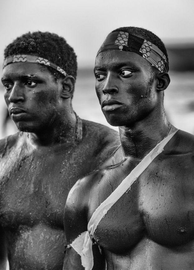 مصارعان من السنغال
