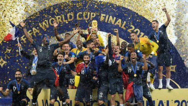 Francia celebra como campeón