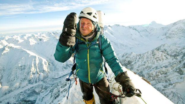 Томек Мацкевич покорил гору своей мечты - и остался на ней