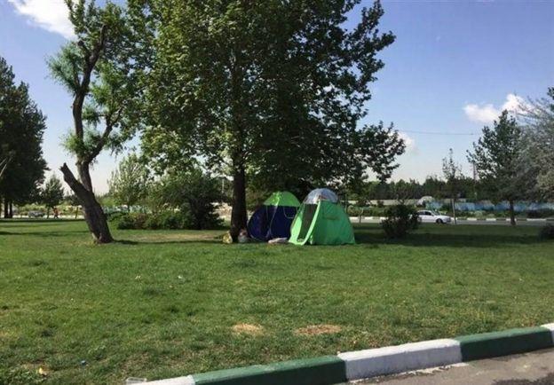 افزایش چند برابری اجارهبهای مسکن در سال جاری در بعضی مناطق ایران نظیر کرمانشاه باعث شده عدهای از آنها به چادرنشینی روی بیاورند