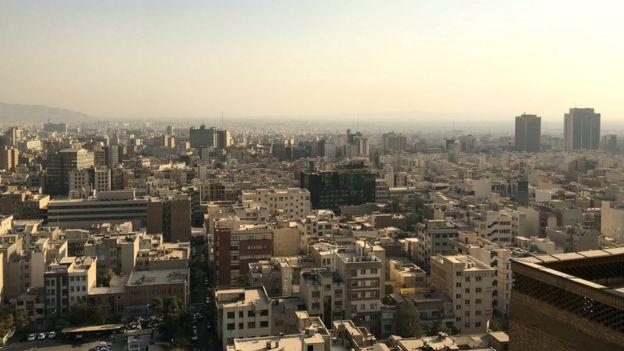بانک مرکزی قیمت متوسط خانههای معامله شده در دی ماه در منطقه یک تهران را بیش از ۳۰ میلیون تومان در هر متر مربع اعلام کرده