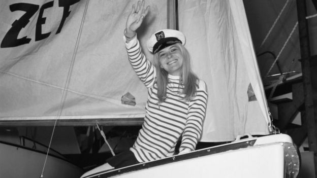 France Gall in Paris attending a boat show on 17 January 1968