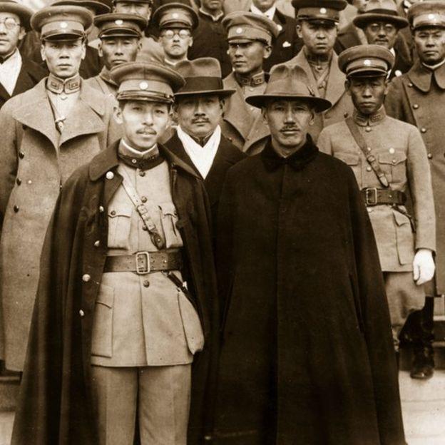 Trương Học Lương (trái) và Thống chế Tưởng Giới Thạch