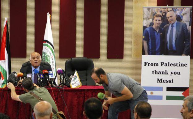 El presidente de la federación palestina de fútbol, Jibril Rajoub, celebró la decisión de los jugadores argentinos.