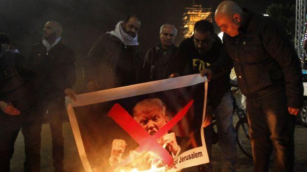 耶路撒冷問題是以色列與巴勒斯坦人的衝突的核心,巴勒斯坦背後有其他阿拉伯國家和更廣泛的伊斯蘭世界的支持