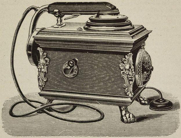 Uno de los primeros teléfonos.