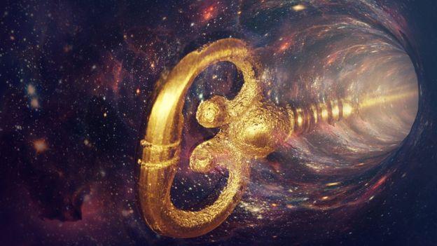 Llave entrando en el espacio tiempo