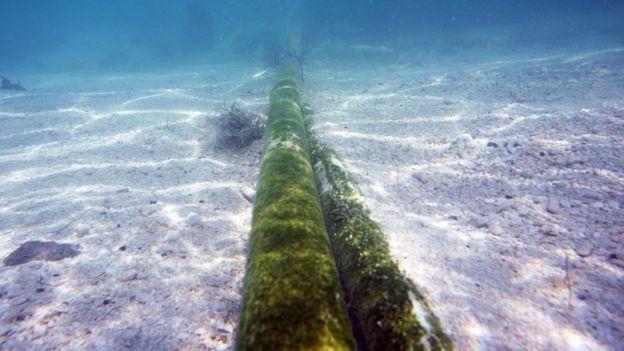 Подводный интернет-кабель