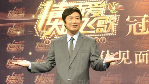 費玉清在廣西南寧參加廣西衛視《一聲所愛·大地飛歌》節目錄製