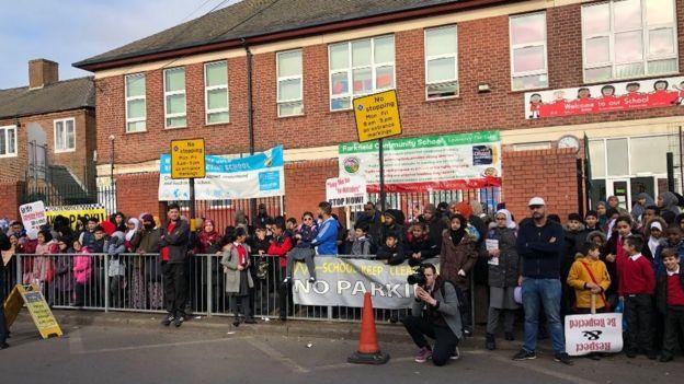 Protesta de la escuela parkfield