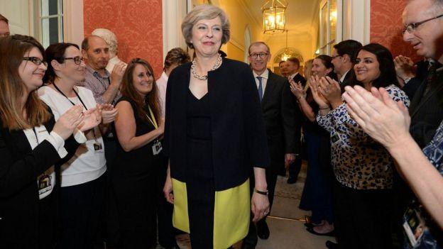 メイ英首相 離脱派ジョンソン氏...