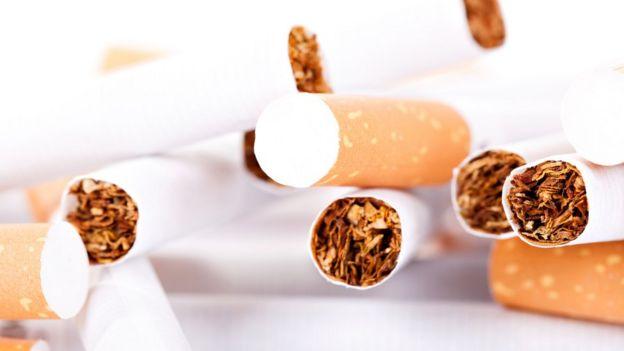 Cuáles son las sustancias más adictivas del mundo y qué le hacen al cuerpo _105191005_cigarros