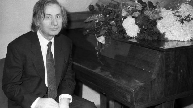 Альфред Шнитке после авторского концерта в Большом зале Московской консерватории. 1992 года.