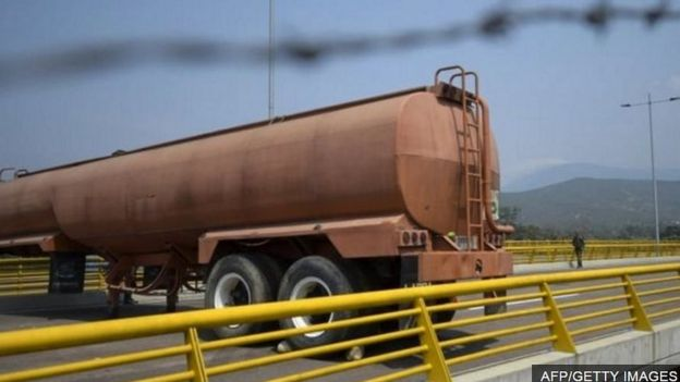 Biến động chính trị ở Venezuela _105568005_a57726e5-f962-4cad-9beb-c95e953563de