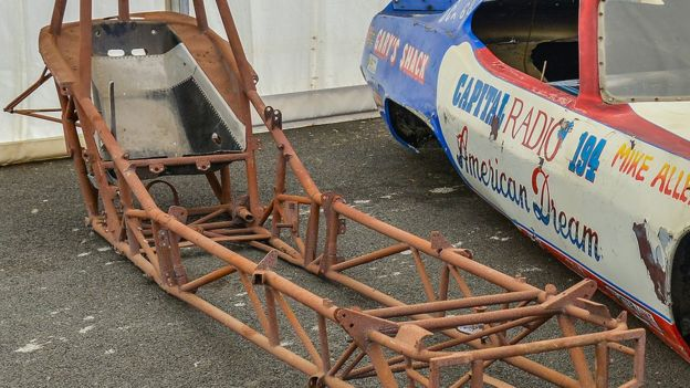 Stardust drag racing car chassis stolen from Santa Pod - BBC News
