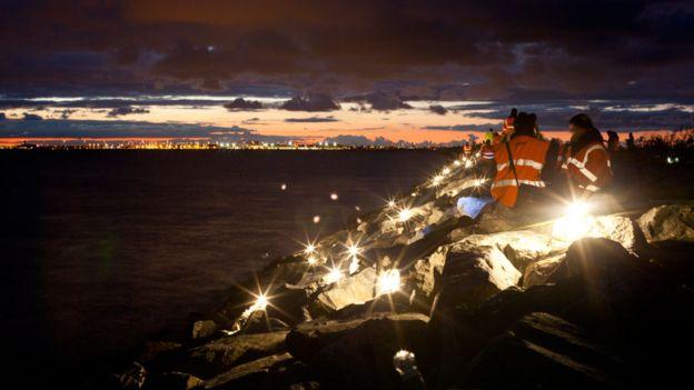 En 2013 Dinamarca y Suecia conmemoraron el 70 aniversario del histórico rescate de los judíos daneses con una instalación de luces en ambas orillas.