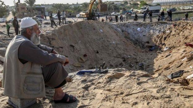 Israel carried out waves of air strikes against Islamic Jihad targets