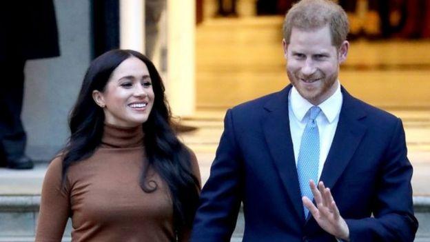 الأمير هاري وزوجته ميغان يتنازلان عن