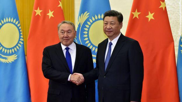 中国领导人习近平曾3度访问哈萨克斯坦,会晤哈总统纳扎尔巴耶夫
