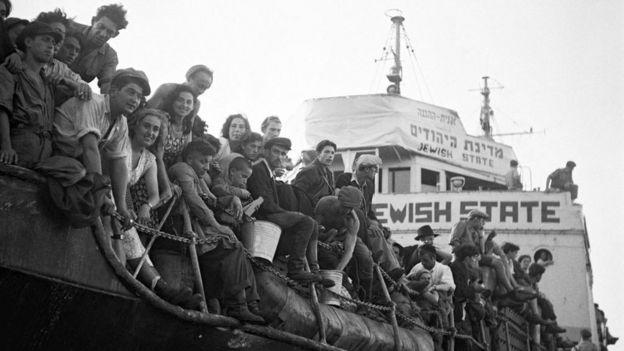 Нелегальные еврейские иммигранты ждут депортации из Палестины